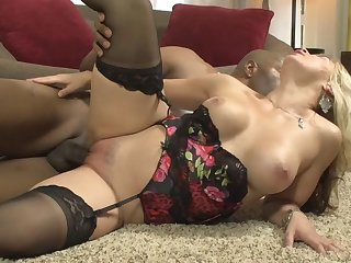Hardcore interracial fucking on the floor with bombshell Bella Rose