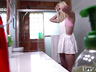 Slender model Jessie Saint takes a shower and rides a stranger