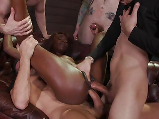 The wild double penetration these guys have for Anna Foxxx will make her cum