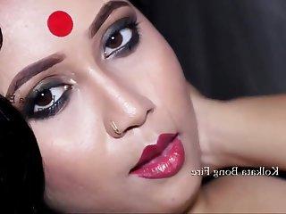 Desic cute chubby girl - amateur Indian babe solo