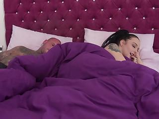 Waking involving next to her horny stepbro