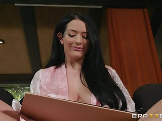 Katrina Jade is surprised with long cock of delivery guy in the room