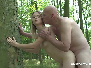 Teen girl gets fucked by step daddy out in the woods