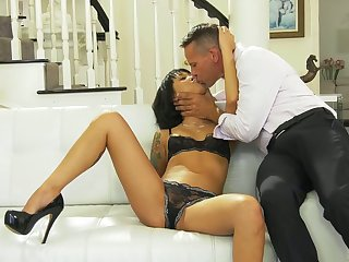 Korean babe Saya Song gets her pussy licked and fucked before facial scene
