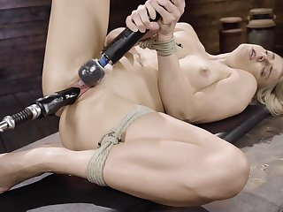 Nikki Peach tries the ultimate fuck machine for the first time