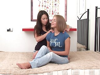 Best friends Tea Jul and Karlie stretch their assholes with a dildo