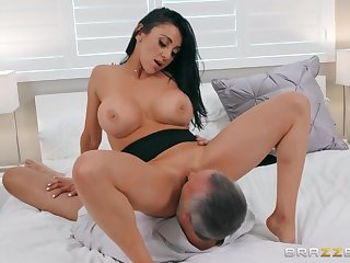 Keiran Lee is lucky to fuck Audrey Bitoni on the bed
