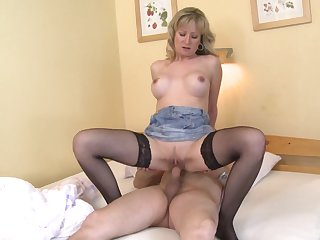 Blonde woman rides man's cock and waits until he cums on her