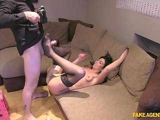 Brunette slut with tattoos comes to the casting with a buttplug