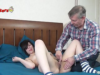 Old Camera Man Bates and Fucks Young Model